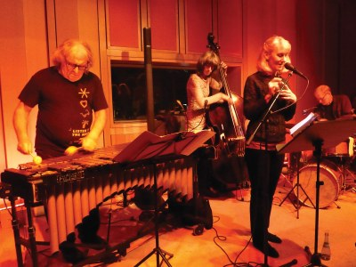 a recent shot of Dizzy Krisch, Karoline Höfler, Lauren Newton, and Bill Elgart