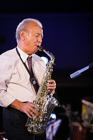 a recent shot of Sadao Watanabe (photo from www.seaside-golf.com)