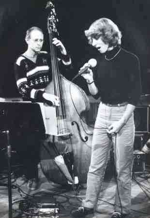 Barre Phillips and Lauren Newton at Baden-Baden in 1983 (photo by Klaus Mümpfer)
